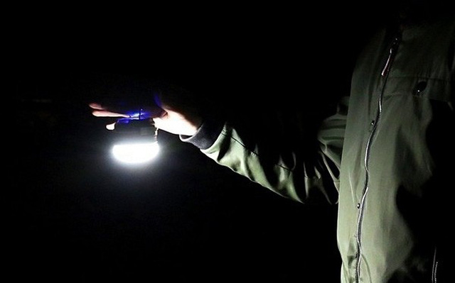Đèn pin siêu sáng nào mà một phượt thủ cần phải biết?